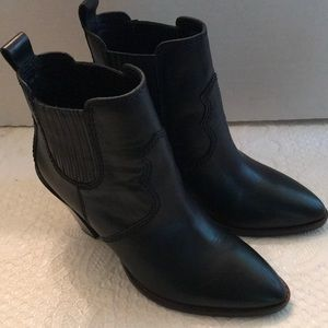 New women's size 8.5 Coach ankle boots